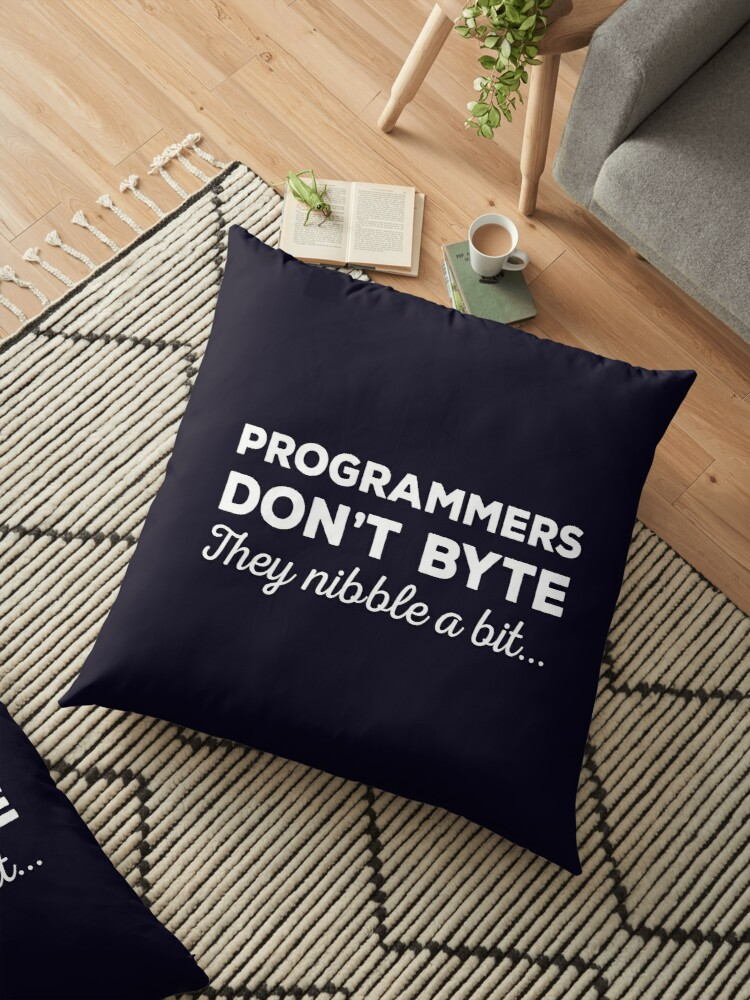 Mens T-Shirt Computer programmers don/'t byte They nibble a bit