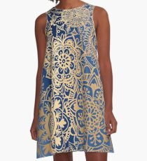 Blau und Goldmandala-Muster A-Linien Kleid