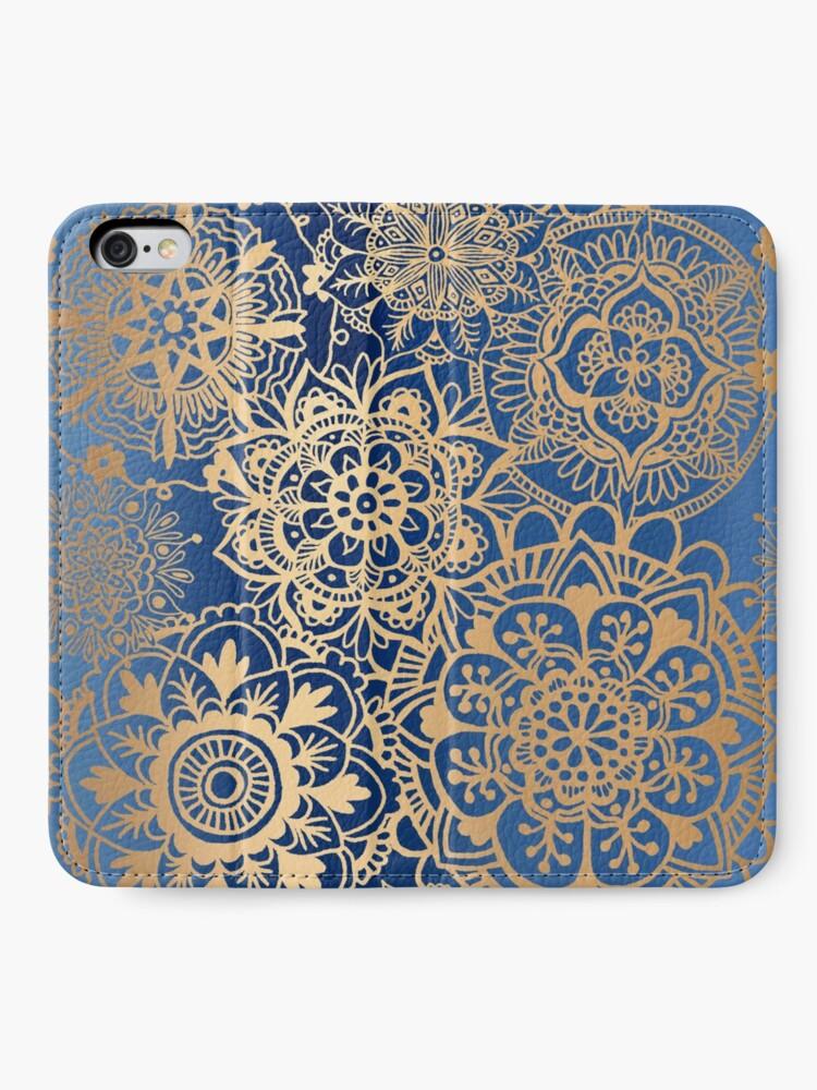 Alternative Ansicht von Blau und Goldmandala-Muster iPhone Flip-Case