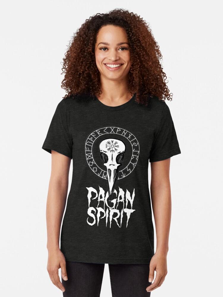 Vista alternativa de Camiseta de tejido mixto Espíritu Pagan - cráneo del cuervo con runas círculo y símbolo de Odin Schutz