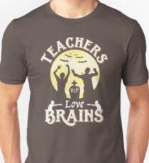 Teachers Love Brains Funny Zombie Halloween T-Shirt Gift  T-Shirt