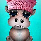 Nettes Baby-Flusspferd, das Pussy-Hut trägt von jeff bartels