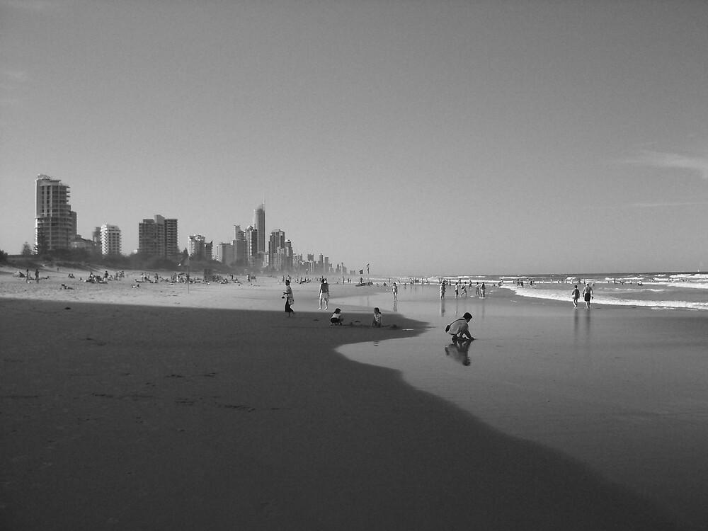 Surfers Paradise by mlonborg
