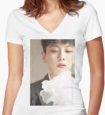 JBJ COME TRUE ROH TAEHYUN Women's Fitted V-Neck T-Shirt
