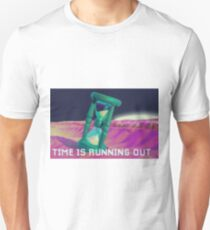 Time is running out - Fashwave - Fashion Unisex T-Shirt