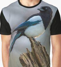 Magpie Portrait Graphic T-Shirt