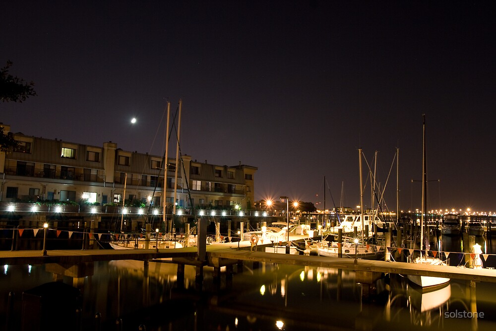 Boats in Downtown Norfolk by solstone