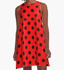 Vestido acampanado Lunares rojos y negros | Patrón de mariquita | Traje de Halloween