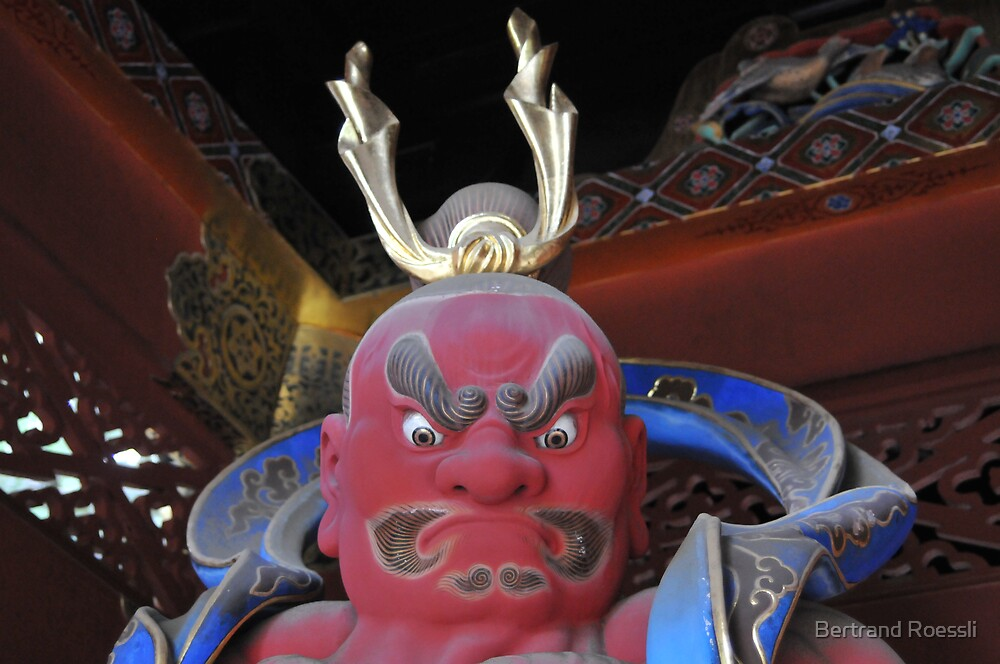 Japanese statue by Bertrand Roessli