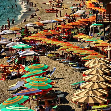 Monterosso Beach by lenzart