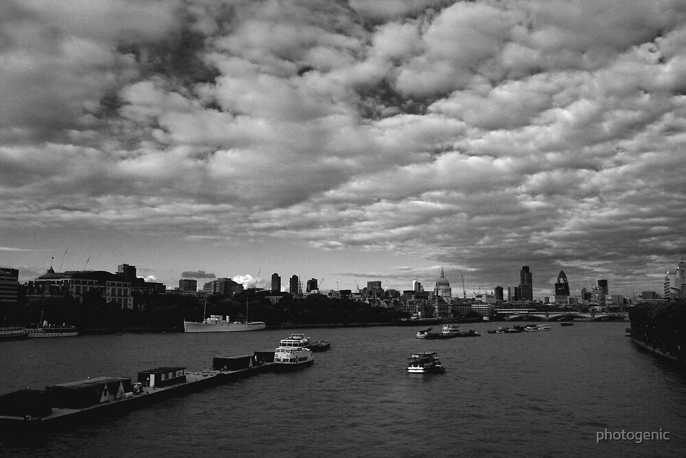 river thames, london by photogenic