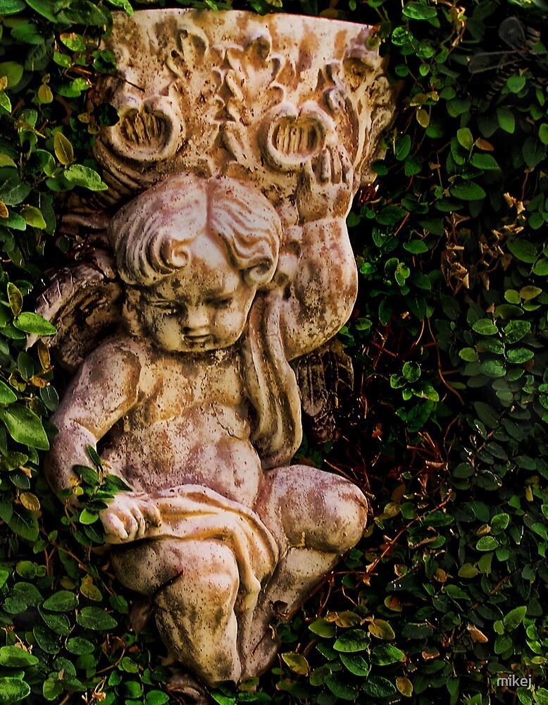 Little Garden Angel by mikej
