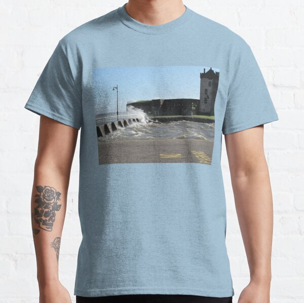 Windy day at Broughty Ferry Classic T-Shirt