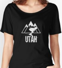 Utah Skiing Retro Distressed Women's Relaxed Fit T-Shirt