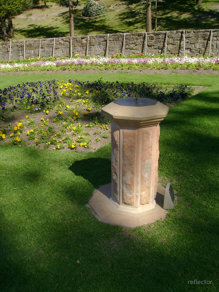 Sundial by reflector