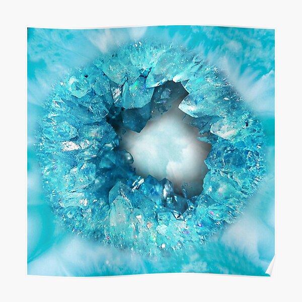 Geode de cristales de piedra en forma de corazón azul aqua Póster