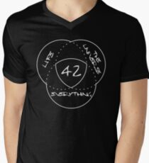 Life, the Universe & Everything = 42 Men's V-Neck T-Shirt