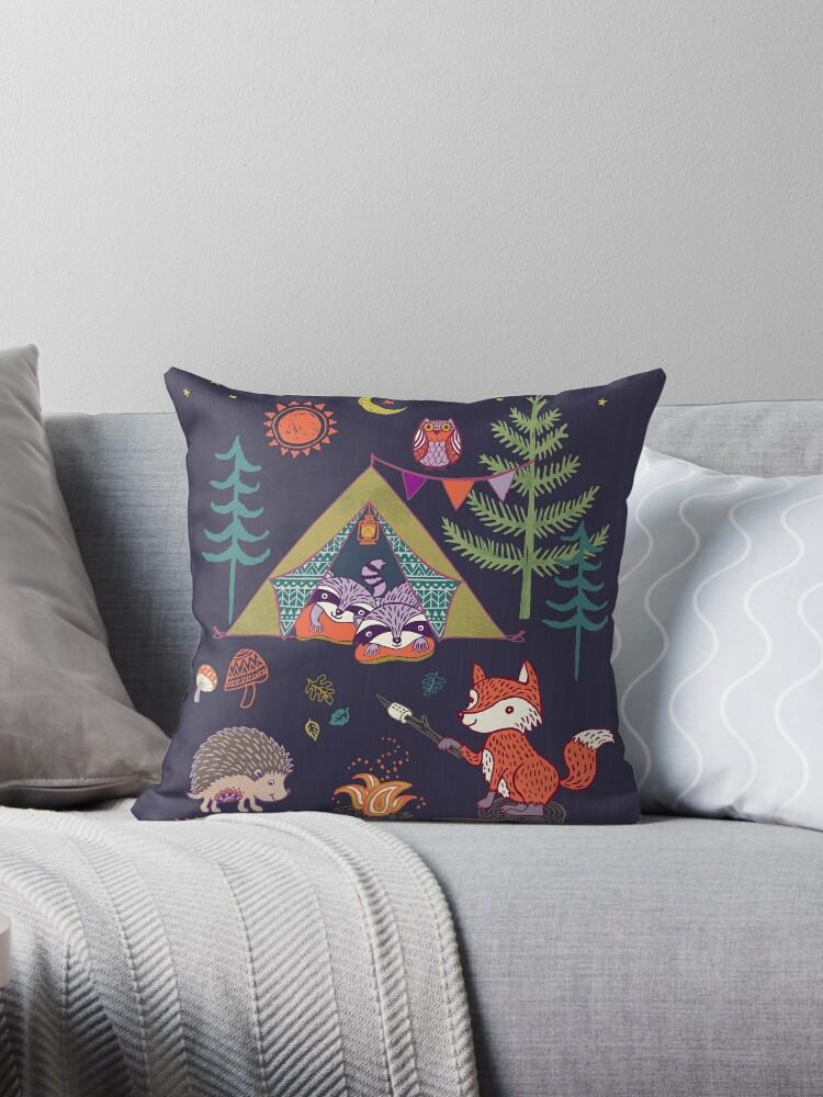 «Campout de animales del bosque» de Janet Broxon