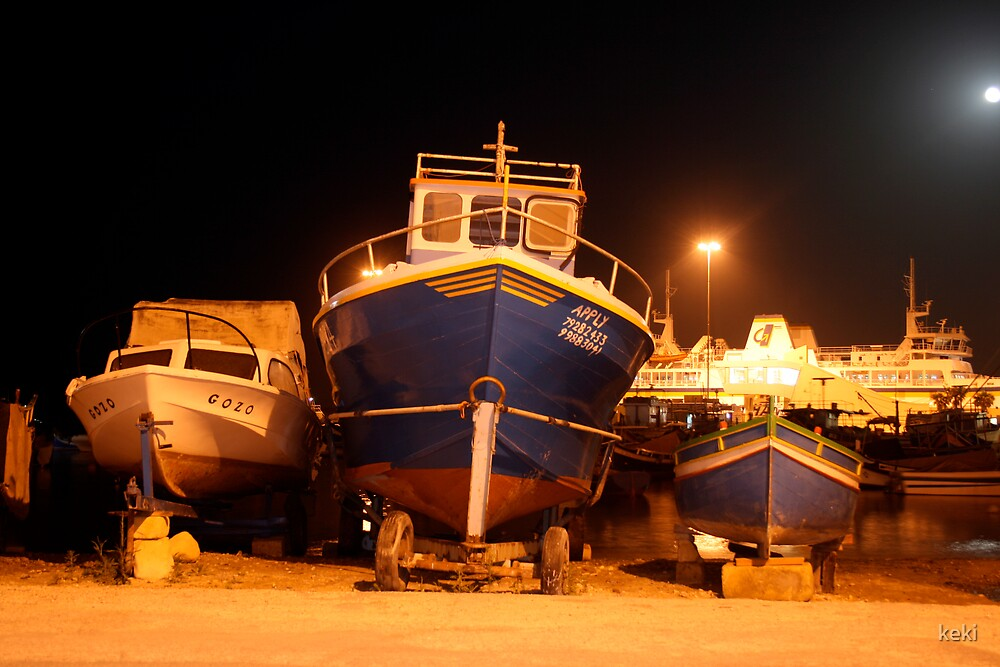 boats lined up  by keki