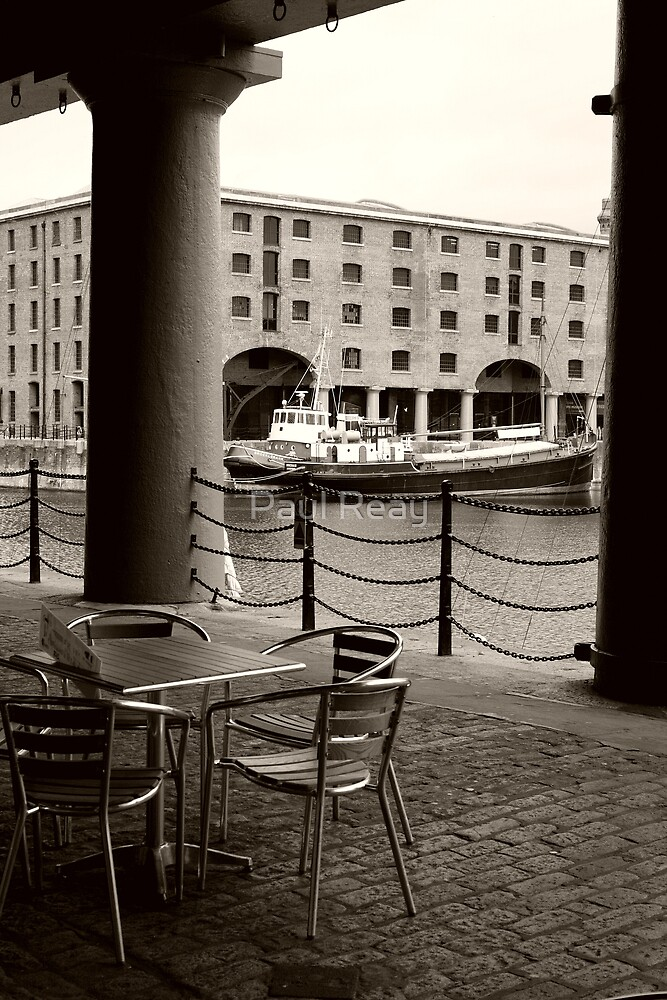 Albert dock  by Paul Reay