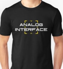 Interessierte Person - Analoge Schnittstelle V2 Unisex T-Shirt