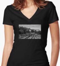 Edinburgh Express Women's Fitted V-Neck T-Shirt