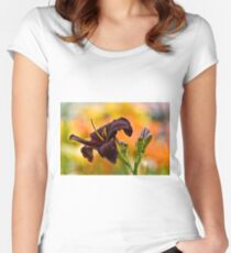 """Root Beer"" Daylily Women's Fitted Scoop T-Shirt"