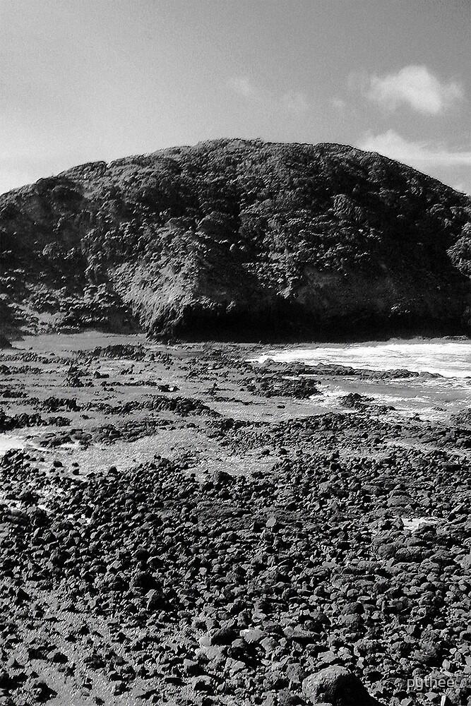 Black rocks by pythee