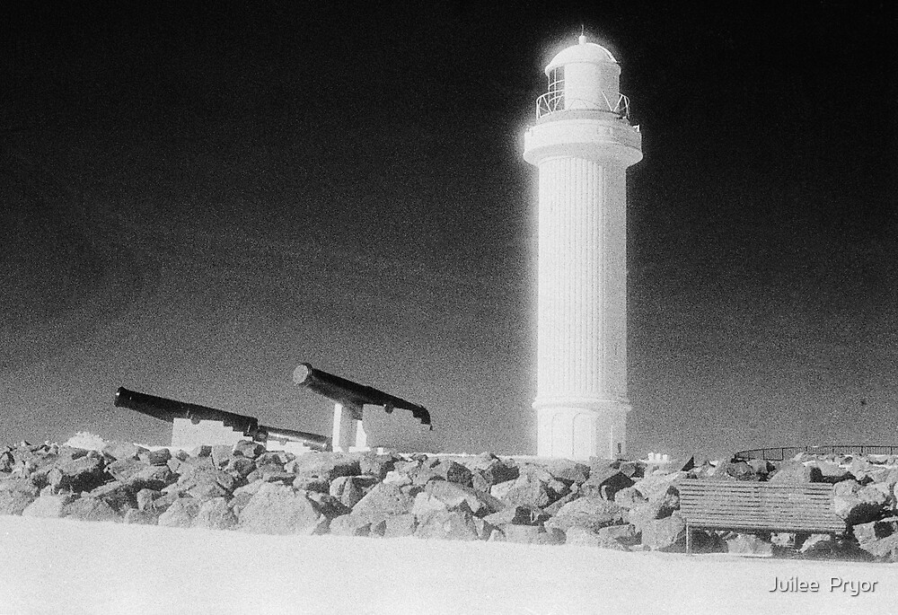 Lighthouse and Canon on Flagstaff Hill by Juilee  Pryor