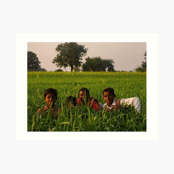 Boys in the grass - India Impression artistique