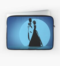 Silhouettes of the bride hugging the groom  Laptop Sleeve