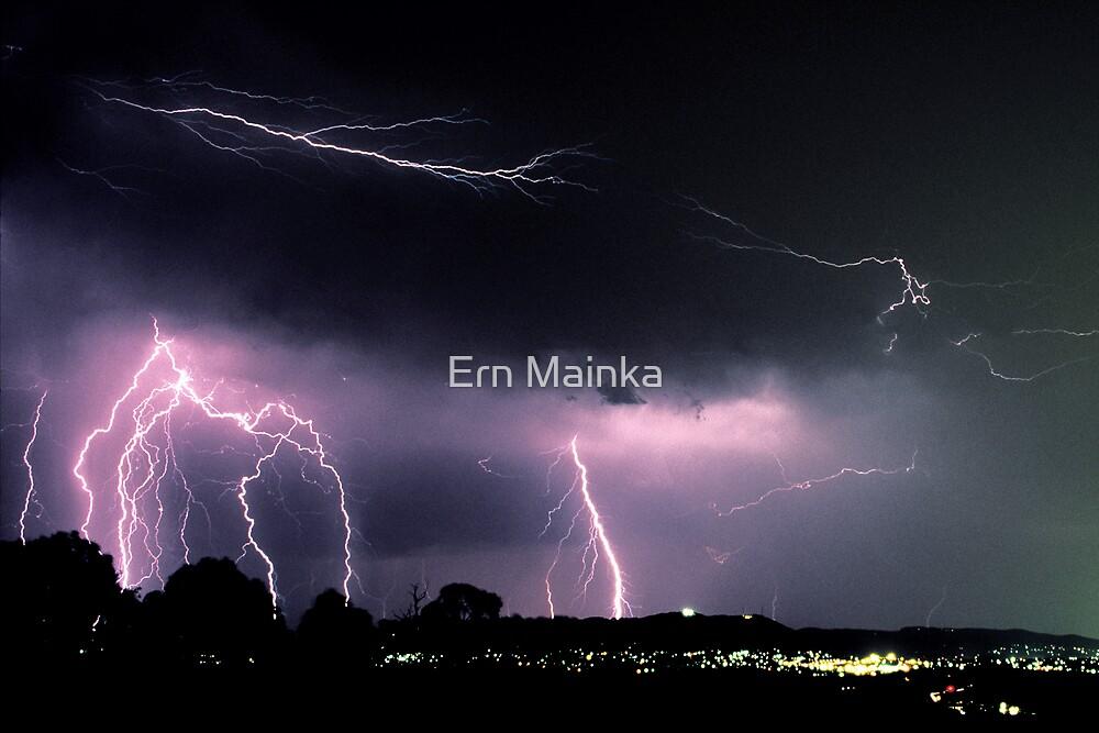 Lightning over Yarra Valley. by Ern Mainka