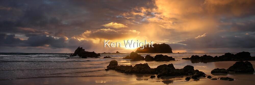 Mount Maunganui Sunrise, The Peak 1812, New Zealand by Ken Wright