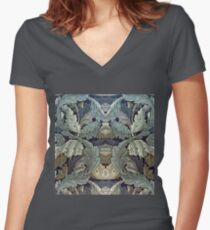 MORRIS COLLECTION 1011 Women's Fitted V-Neck T-Shirt