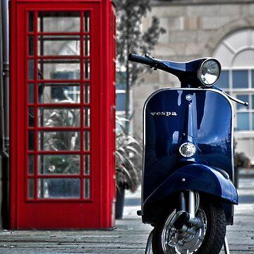 Blue Vespa Primavera by redstar5