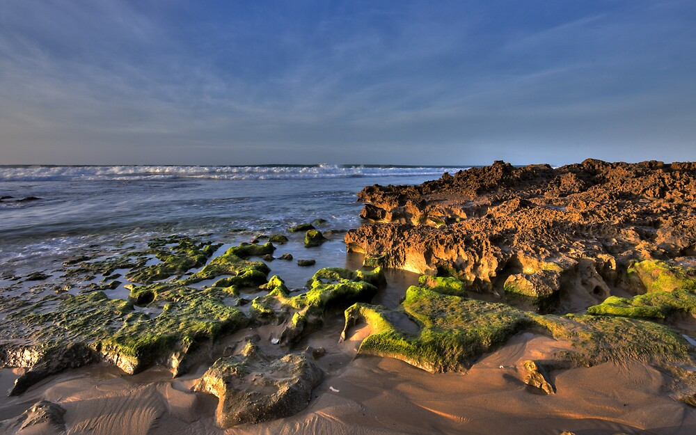 Barwon Heads rocks by Andrew Widdowson