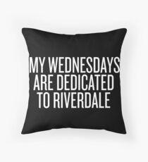 Cojín Mis miércoles están dedicados a Riverdale-- Blanco