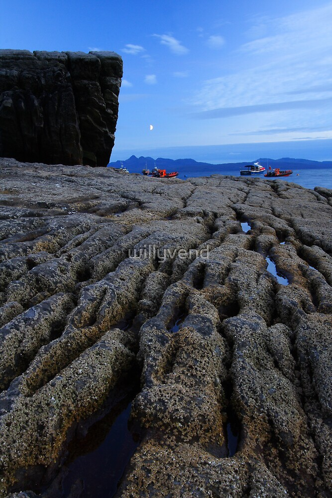 Moon, sea and rocks by Willy Vendeville