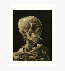 Schädel eines Skeletts mit brennender Zigarette Kunstdruck