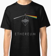 ethereum ETH prisma lichtbrechung floyd regenbogen licht nerd bitcoin blockchain cryptochain währung internet kursgewinn dezentral Classic T-Shirt