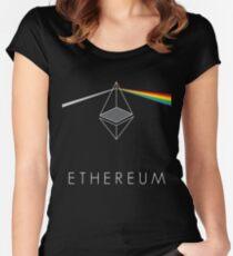 ethereum ETH prisma lichtbrechung floyd regenbogen licht nerd bitcoin blockchain cryptochain währung internet kursgewinn dezentral Women's Fitted Scoop T-Shirt
