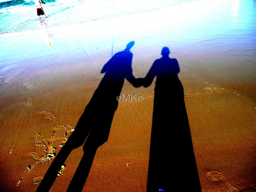 Holding Hands by eMKe