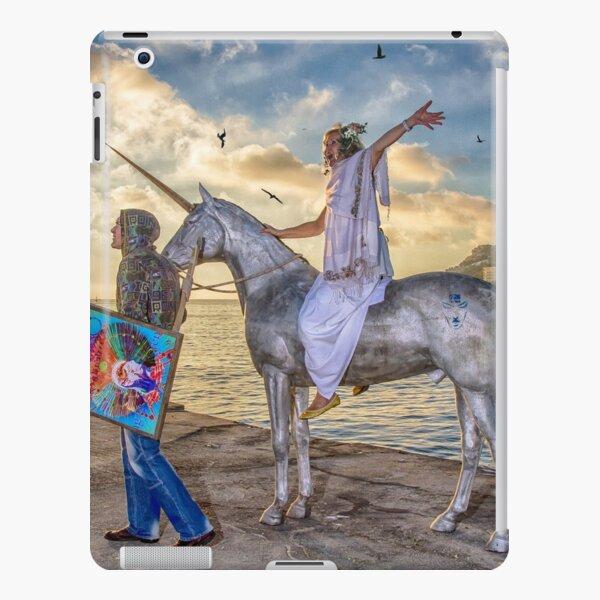 The triumphant return of Lady Art iPad Snap Case