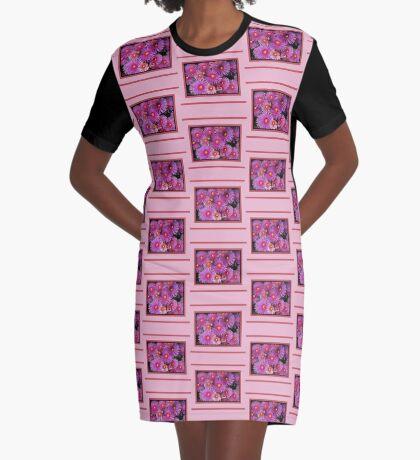 Beautiful Pink Pigface Flowers Graphic T-Shirt Dress