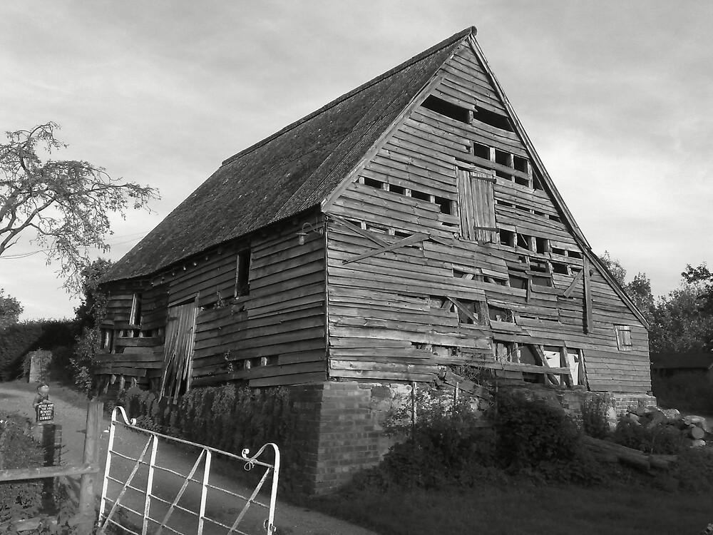 Burstow's Barn B&W by Vinnie Copper