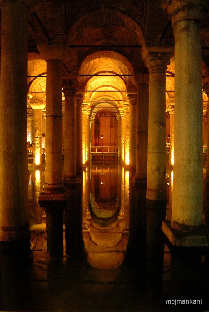 Basilica Cistern by mejmankani