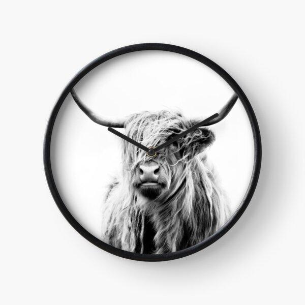 portrait d'une vache des montagnes (format paysage) Horloge