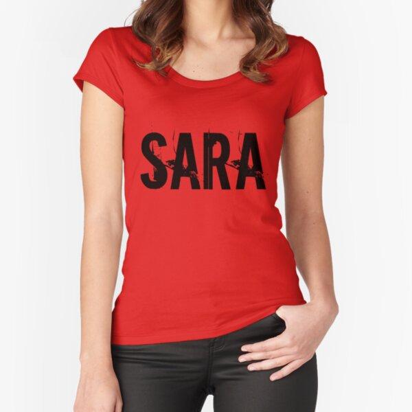Sara Camiseta entallada de cuello ancho