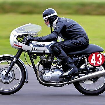 1969 Triumph Thruxton Bonneville by AndyHkr