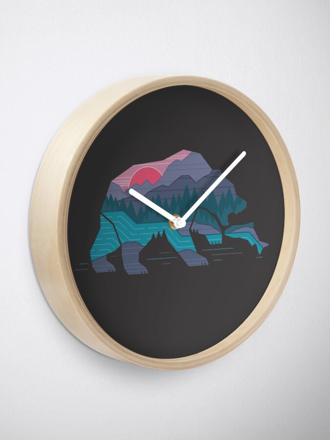 Alternate view of Bear Country Clock